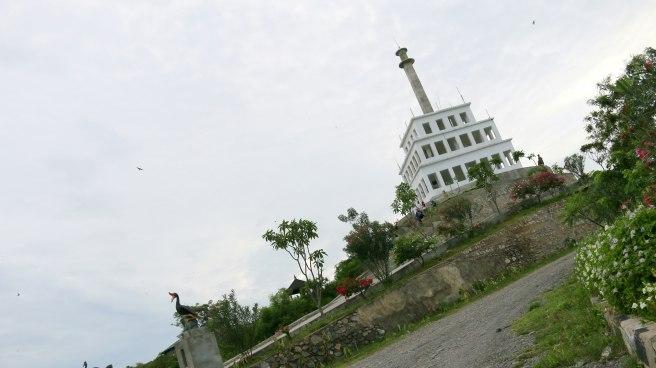 72 Foto Pemandangan Indah Suasana Taman Edukasi Perdamaian Tugu Nosarara