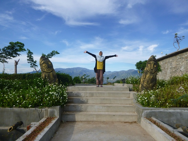 Gaung Gong Perdamaian Sulawesi Tengah Foottrip Selamat Datang Kawan Tugu