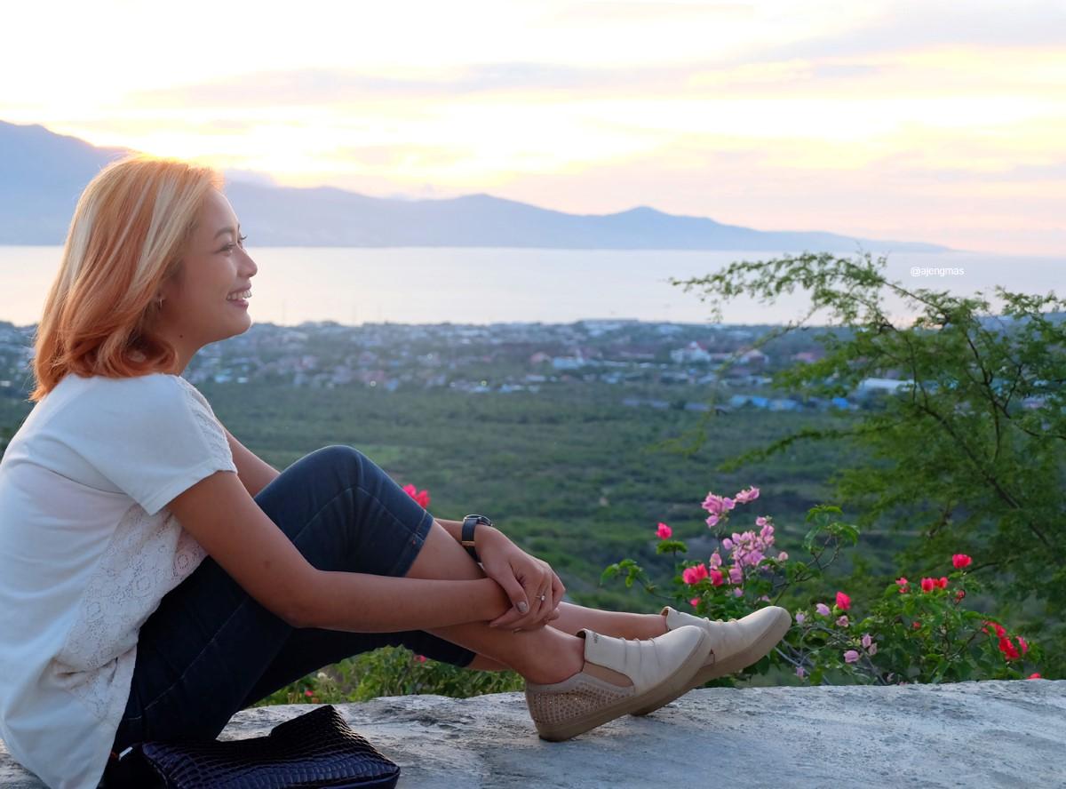 June 2016 Palu Atas Tugu Perdamaian Nosarara Nosabatutu Pergi Bukit