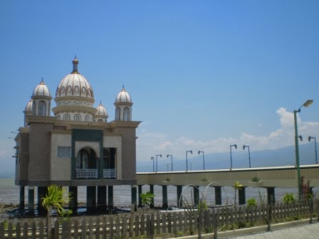 Masjid Apung Museum Sulawesi Tengah Tugu Perdamaian Kota Arkam Babu