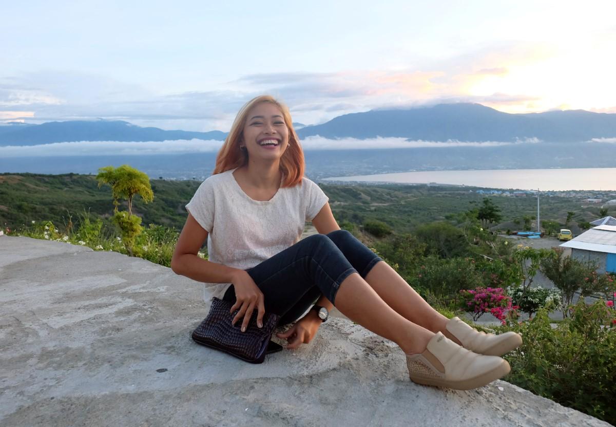 Sulawesi Palu Atas Tugu Perdamaian Nosarara Nosabatutu Pergi Bukit Bintang