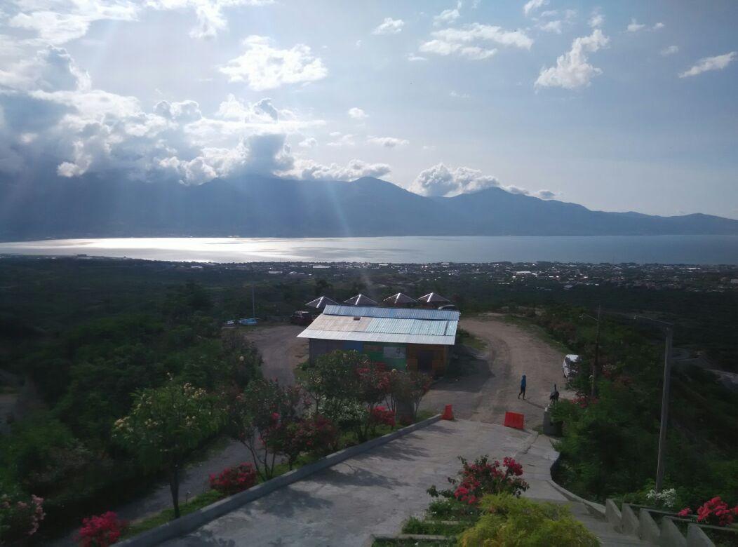 Taman Edukasi Monumen Perdamaian Nosarara Nosabatutu Palu 6 Tugu Kota