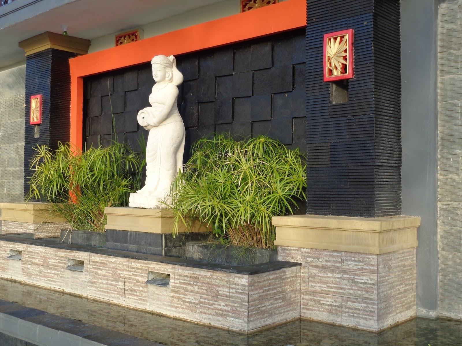 Taman Nosarara Nosabatutu Gong Perdamaian Great Photo Indonesia Patung Bali