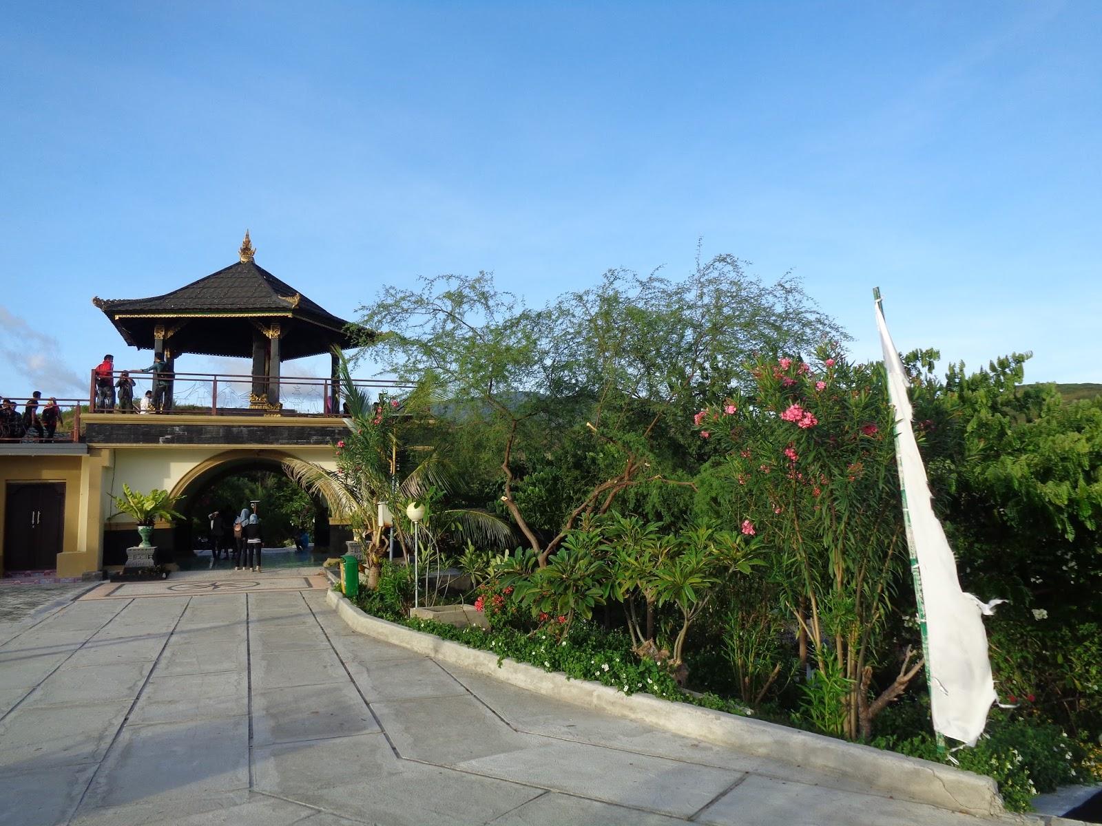 Taman Nosarara Nosabatutu Gong Perdamaian Great Photo Indonesia Sulteng Tugu