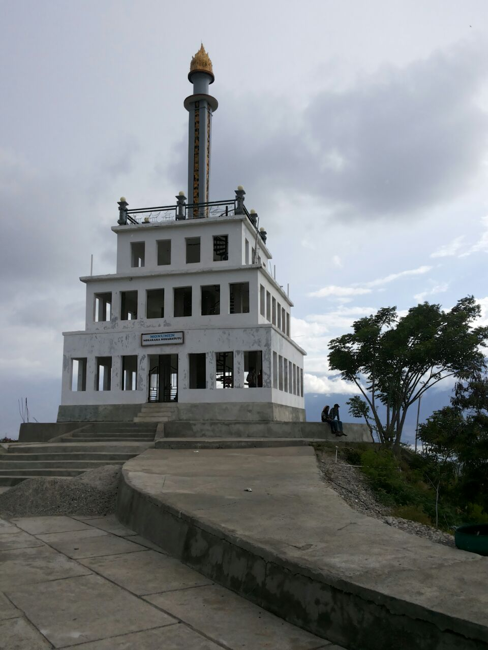Tugu Perdamaian Nosarara Nosabatutu Kota Palu Vibizmedia