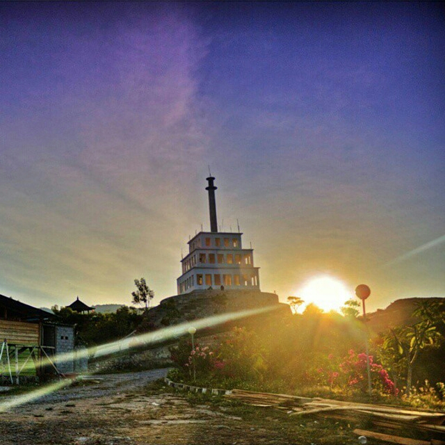 Tugu Perdamaian Nosarara Nosabatutu Unikpalu Sumber Instagram Andreeasrc Kota Palu