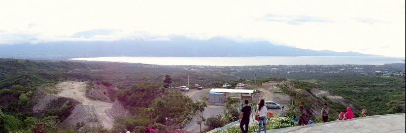 Wanderer Taman Edukasi Perdamaian Nosarara Nosabatutu Keindahan Teluk Palu Dilihat