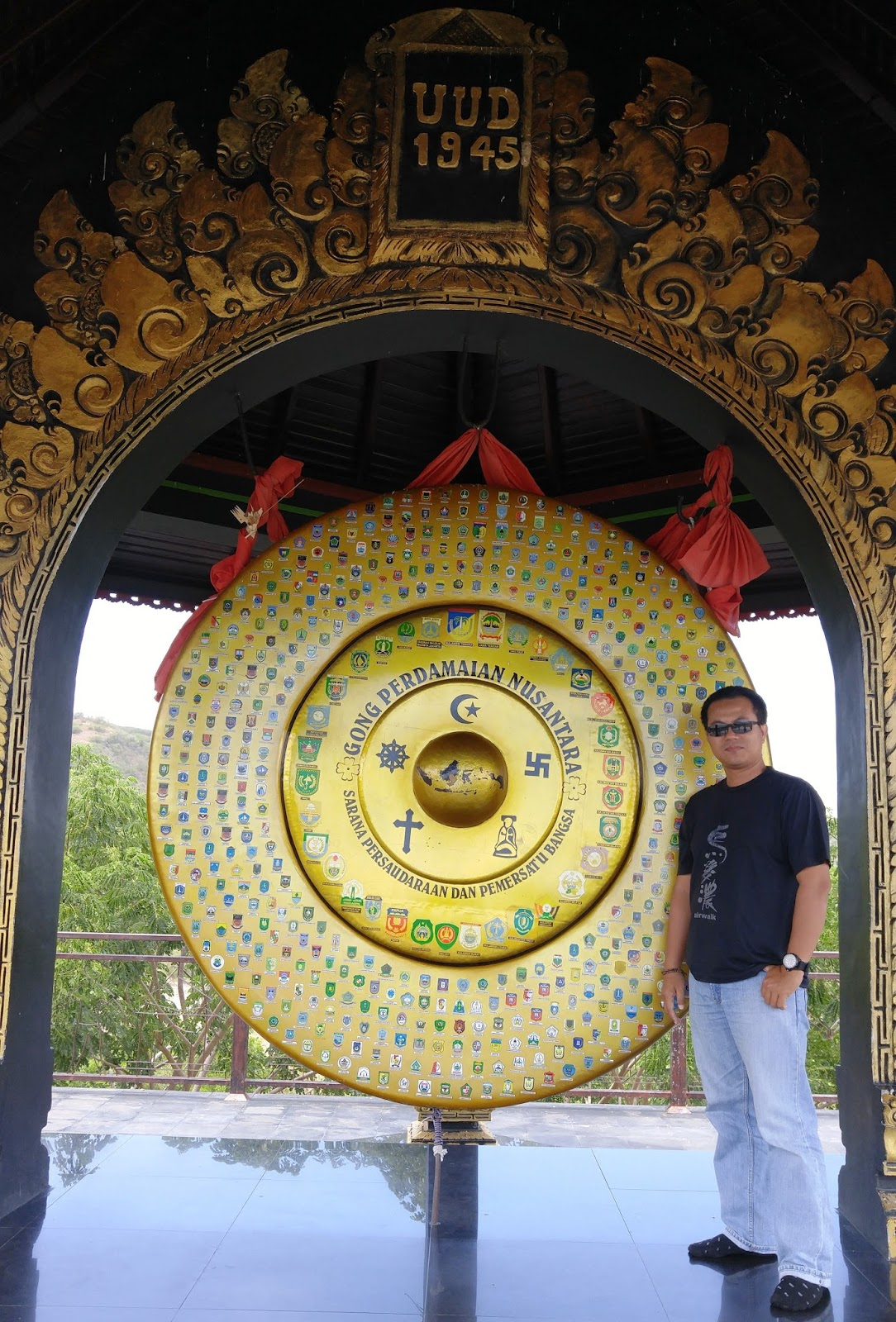 Wiyak Bumi Langit Gong Perdamaian Nusantara Monumen Satu Lokasi Tidak