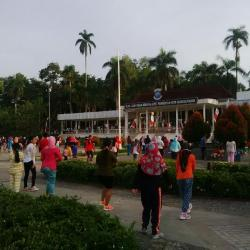 Asyiknya Olahraga Minggu Pagi Atm Pangkalpinang Bangka Pos Alun Taman