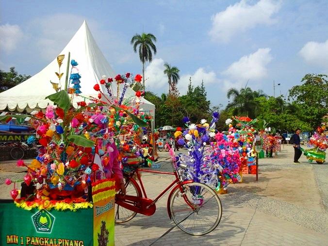 Berita Visit Bangka Belitung Barisan Rangkaian Telur Soraja Alun Taman