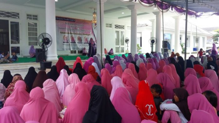 Majelis Taklim Se Kota Pengkalpinang Semarak Ikuti Forsil Akbar Salimah