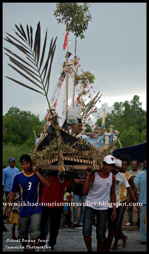 Tourism Traveller Januari 2011 Bagi Ritual Buang Jung Menjadi Ungkapan