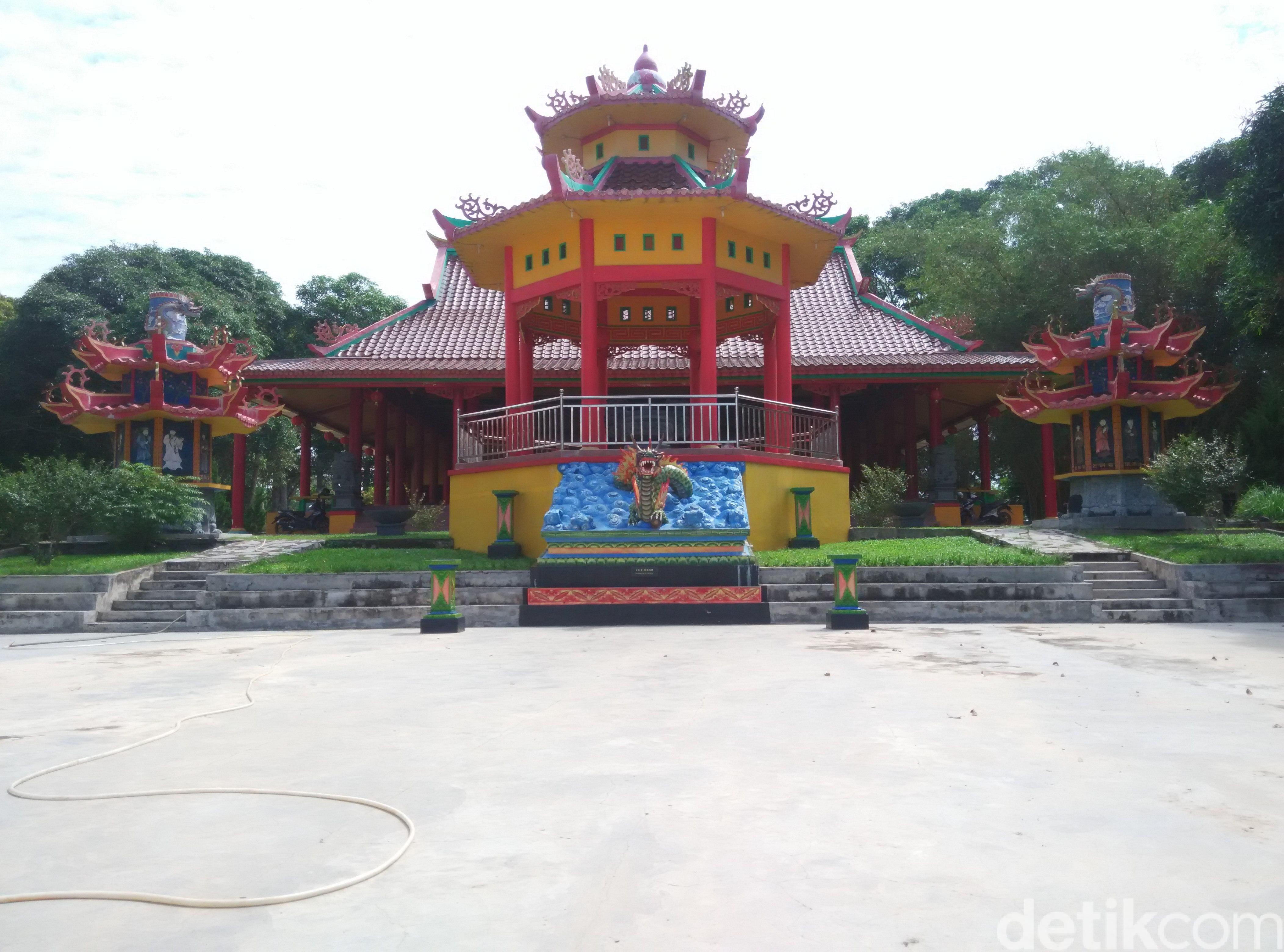 Wisata Pluralisme Pantai Pangkalpinang 3 Rumah Ibadah Berdiri Foto Nur