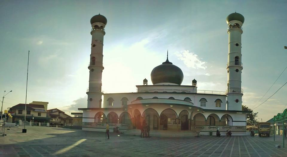 Wisata Religi Negeri Pelangi Uliners Ikon Toleransi Keragaman Serumpun Sebalai