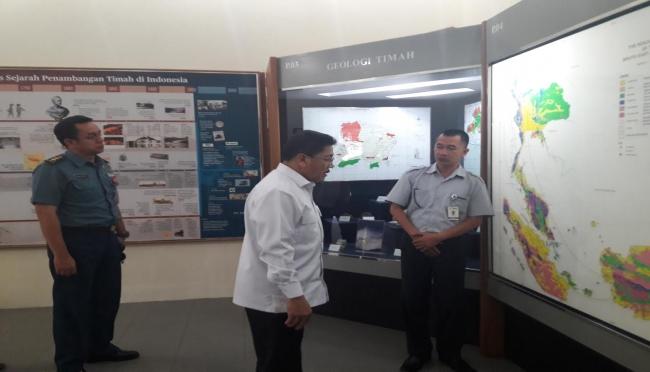 Kasal Tni Marsetio Kunjungi Museum Timah Laksamana Purn Dr Mengunjungi