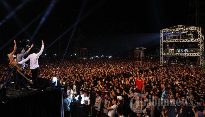 Konser Gigsteria Gg Mild Pekanbaru Foto 5 597162 Tribunnews 20130526
