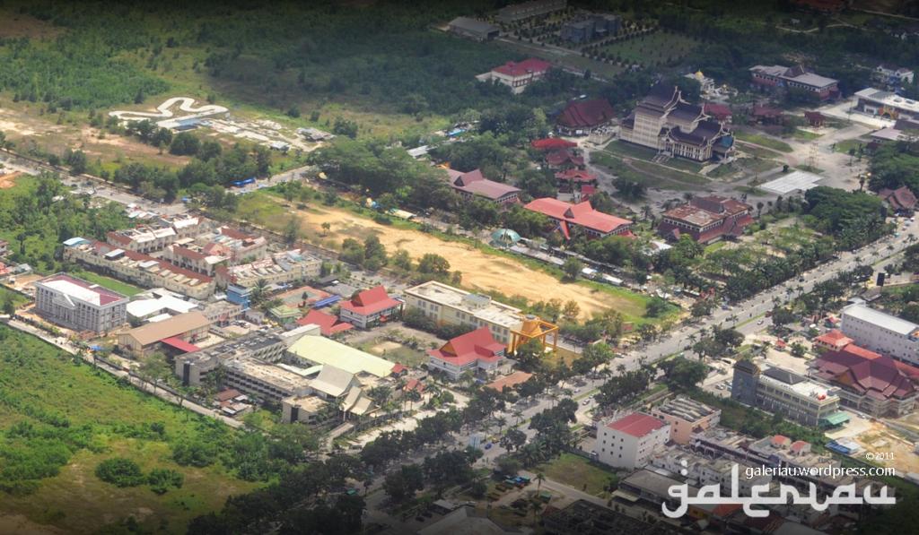 Pekanbaru Riau Town Square Mixed Superblocks 17 Fl 20 Skyscrapercity