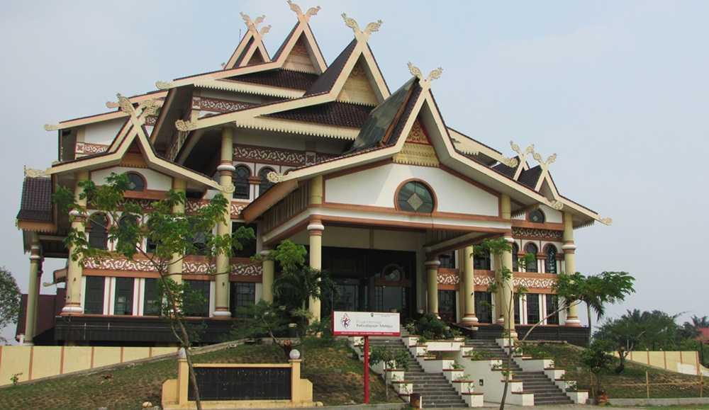 Wisata Budaya Bandar Serai Purna Mtq Pekanbaru Anjungan Seni Idrus
