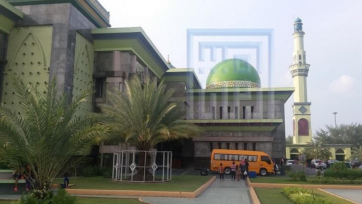 Armansyah Pohon Kurma Masjid Agung Nur Pekanbaru Berbuah Annur Dipagari