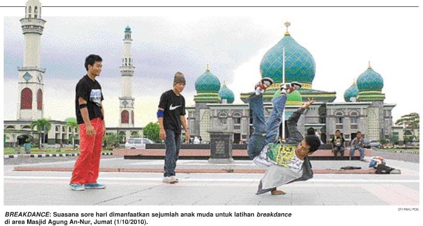 Breakdance Depan Masjid Agung Nur Pekanbaru Riau Flickr Rilham2new Kota