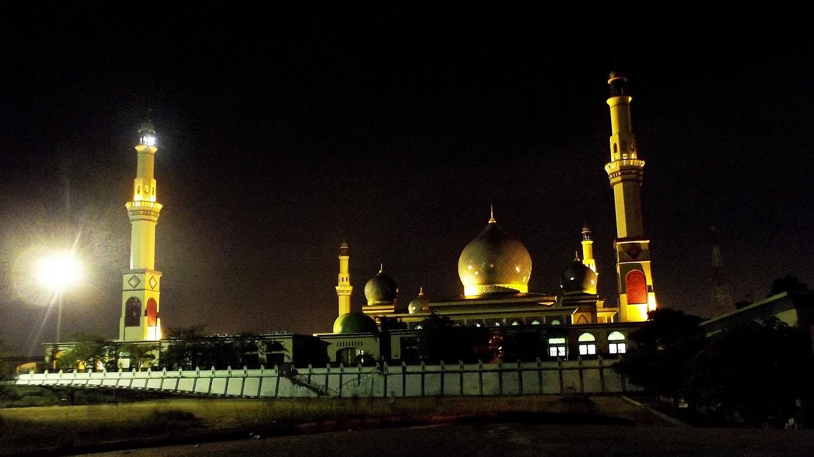 Mengintip Kota Pekanbaru Malam Hari Au Revoir Masjid Agung Nur
