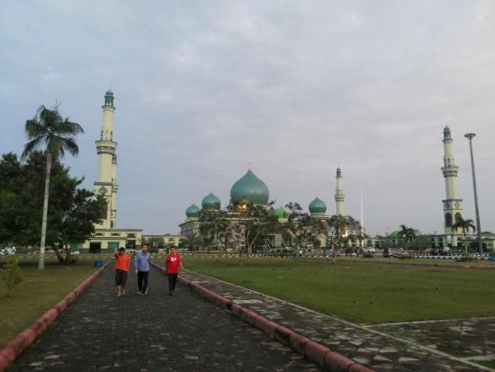 Nur Grand Mosque Pekanbaru Tripadvisor Masjid Agung Kota