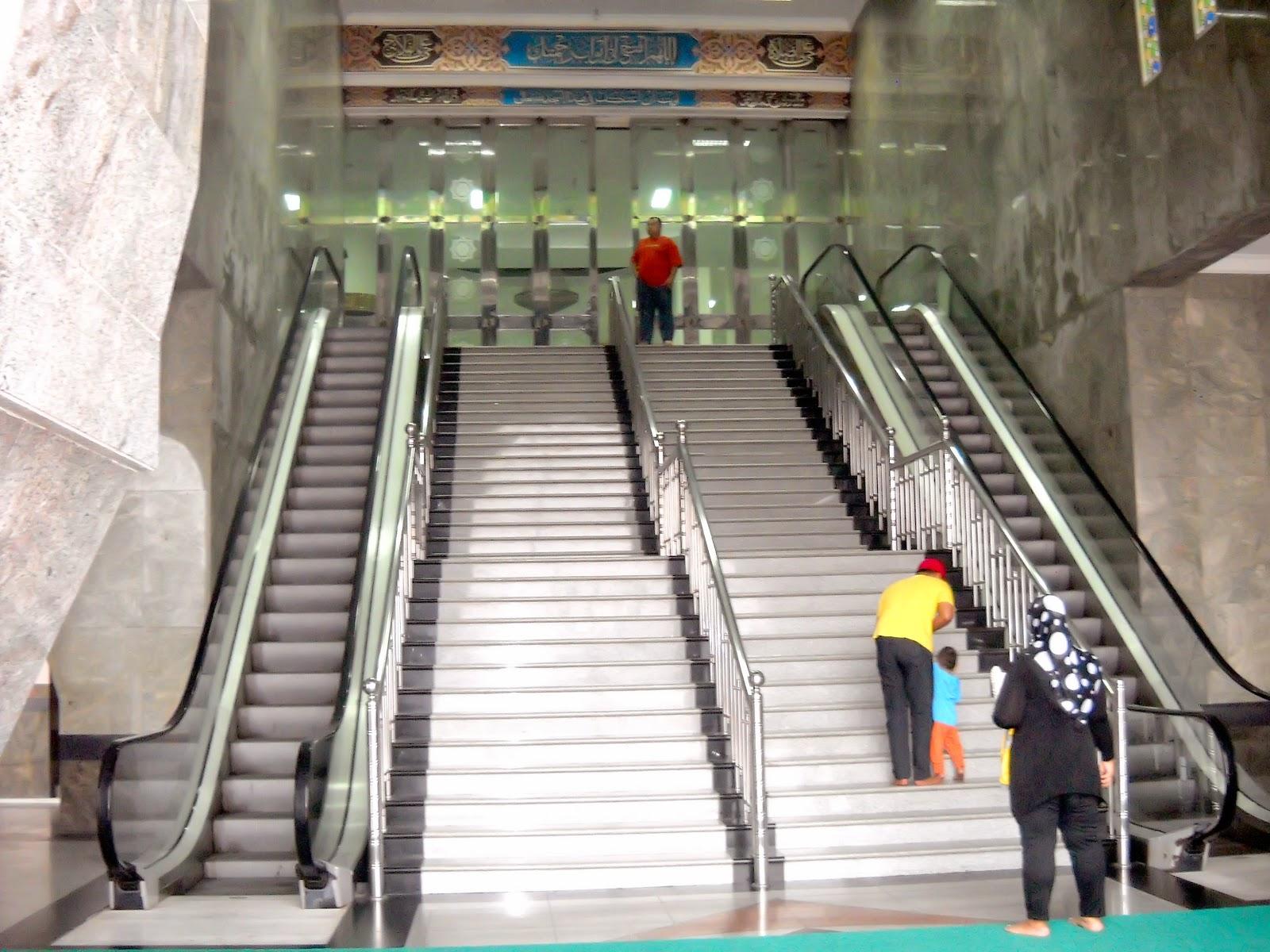 Riau Mempunyai Bangunan Mirip Taj Mahal Loh Berbagi Fasilitas Eskalator
