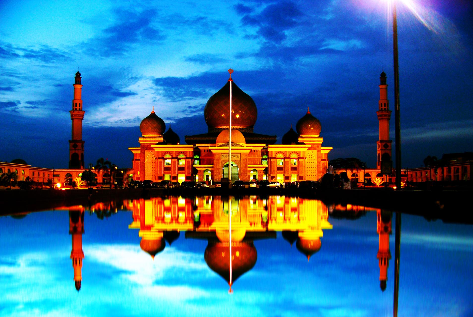 Rindu Masjid Agung Nur Riau Pekanbaru Nice Night Light Reflection