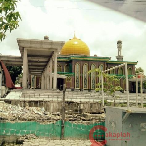 Dewan Kualitas Renovasi Masjid Raya Pekanbaru Mengecewakan Kota