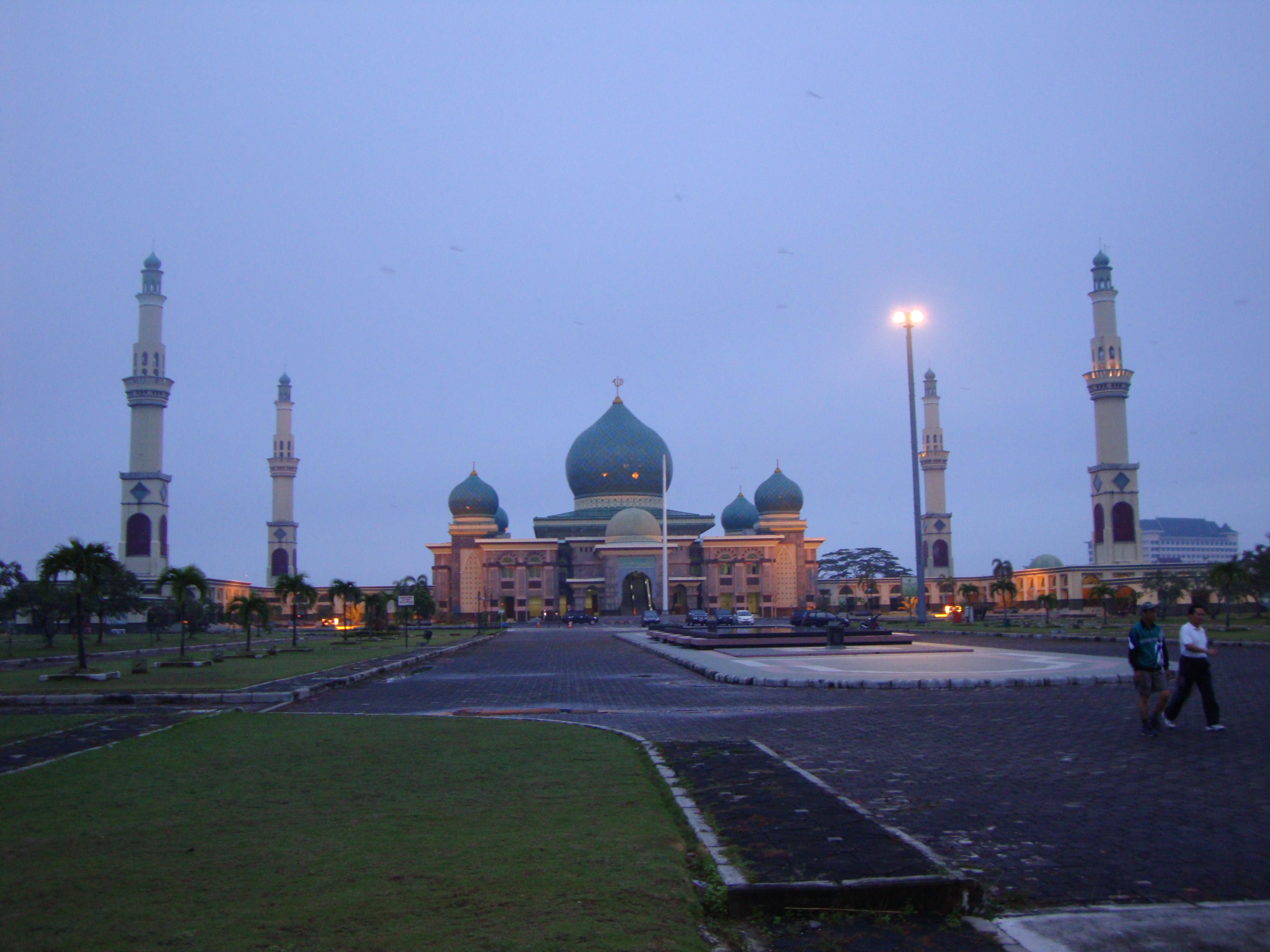 File Masjid Agung Pekanbaru Jpg Wikimedia Commons Raya Kota