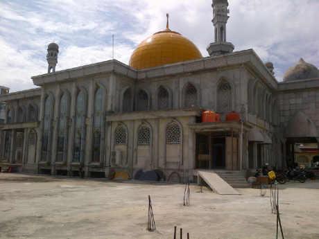 Masjid Raya Pekanbaru Hadirkan Imam Palestina Suriah Kota