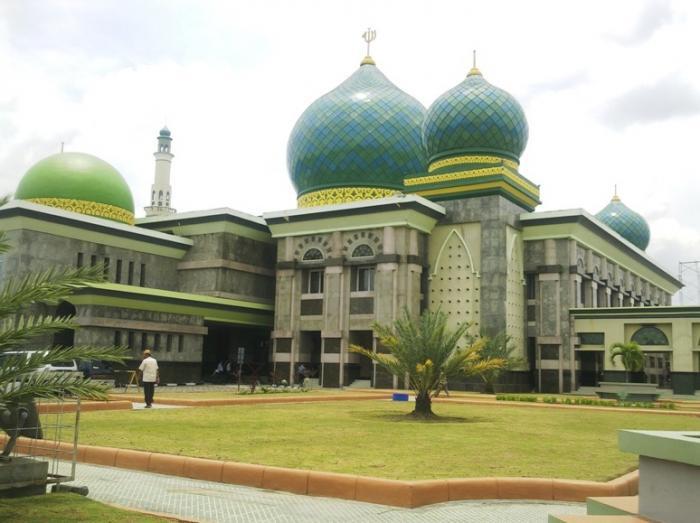 Taman Masjid Agung Nur Riau Pekanbaru Raya Kota