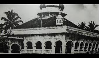 Tetap Bertahan Walawpun Rintangan Bentuk Arsitektur Masjid Raya Nur Alam