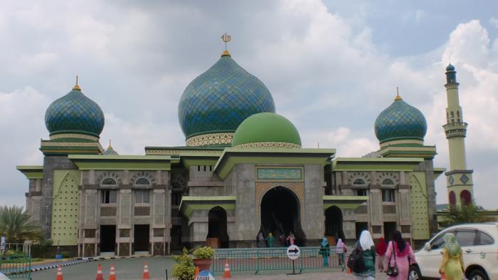 Wisata Religi Pekanbaru Masjid Agung Annur Kubahnya Didesain Menyerupai Nabawi