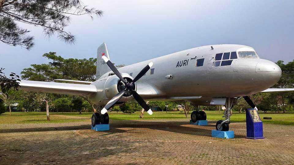 Airplane Scale Modelkit Ilyushin Il 14 Avia Alhamdullilah Pd 2015