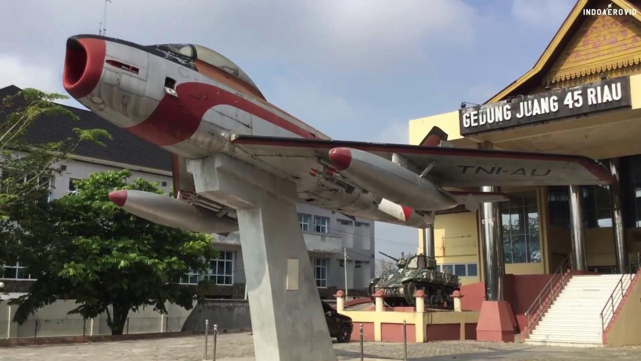 Monumen 86 Avon Sabre 4 Skyhawk Kota Pekanbaru Youtube Saber