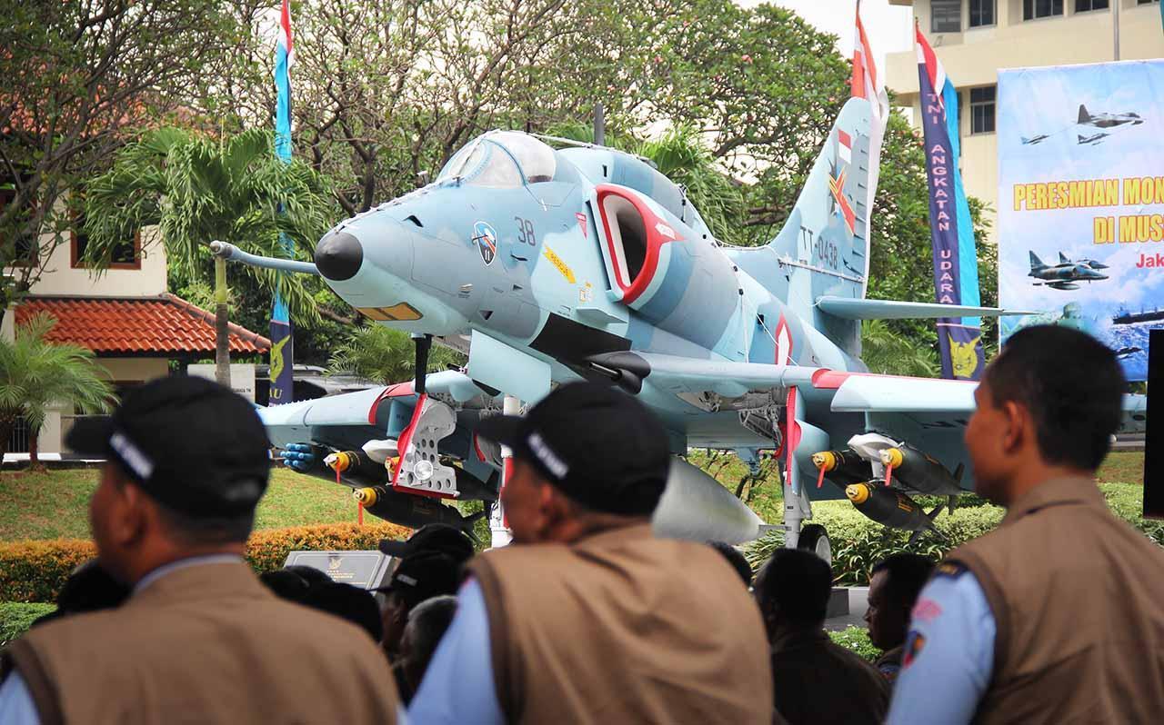 Operasi Alpha Satria Mandala Historia Pesawat 4 Skyhawk Monumen 4e