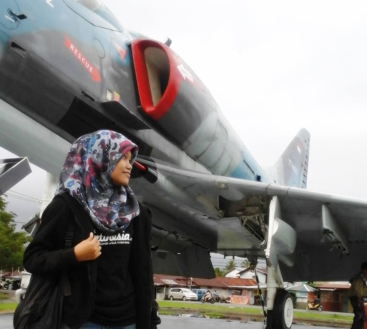 Wisata Sejarah Pesawat 4e Skyhawk Jet Tempur Lanud Supadio Tugu