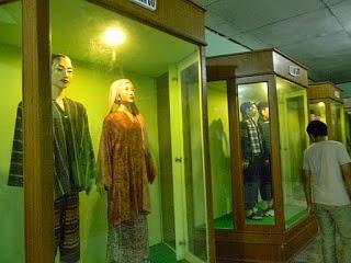 4 Tempat Wisata Pekanbaru Bisa Kunjungi Koridor Pakaian Adat Museum