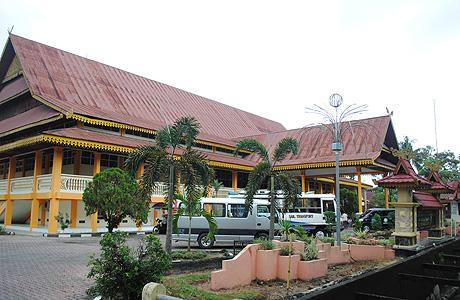 Melihat Koleksi Sejarah Budaya Melayu Riau Museum Nila Utama Musium