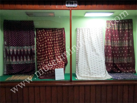 Museumindonesia Museum Nila Utama Koleksi Wastra Musium Kota Pekanbaru