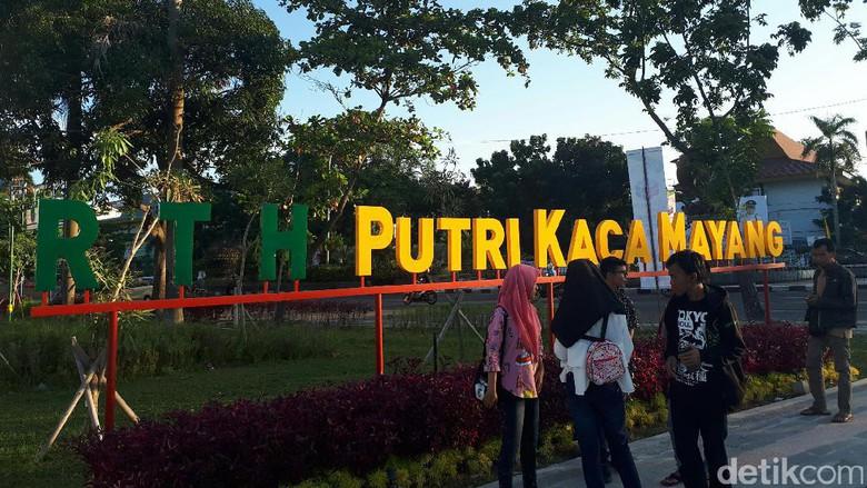 Buka Rth Putri Kaca Mayang Ramai Dikunjungi Warga Pekanbaru Riau