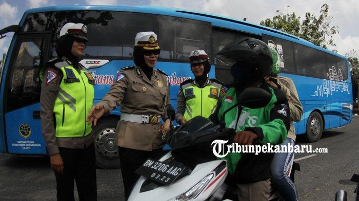 Pengendara Kena Tilang Langgar Rambu Rth Kaca Mayang Tribun Operasia