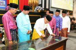 Serahkan Rth Putri Kaca Mayang Tunjuk Ajar Integritas Pekanbaru Gubri