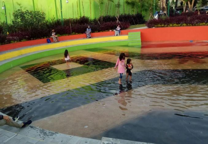 Ternyata Penyebab Air Tergenang Rth Putri Kaca Mayang Kota Pekanbaru