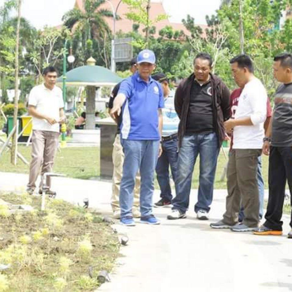 Walikota Pekanbaru Kesal Rth Putri Kaca Mayang Dirusakriauandalas Dr Firdaus