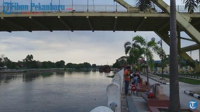 Menikmati Senja Kota Bertuah Tepian Sungai Siak Tribunnews Tidak Sekadar