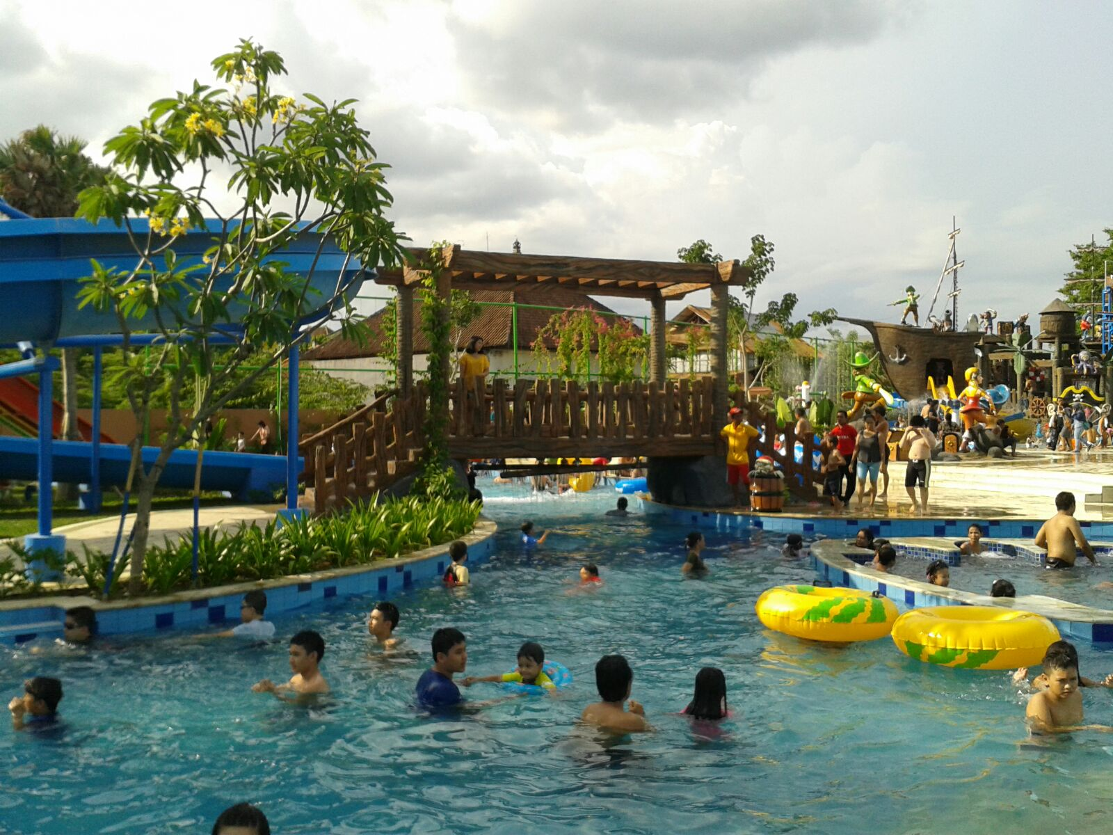 Harga Tiket Citraland Waterpark Denpasar Bali Kolam Renang Suasnaa Sekitar