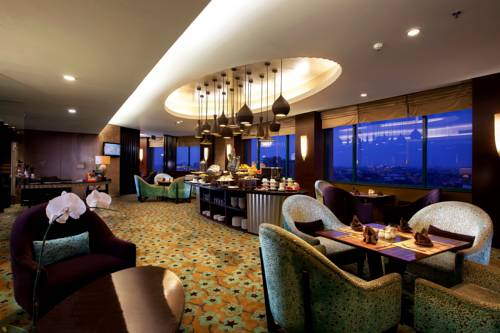 Hotel Ciputra Semarang Prices Photos Reviews Address Indonesia Room Taman