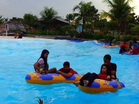 Kolam Ombak Boombara Waterpark Pekanbaru Youtube Taman Air Citraland Kota